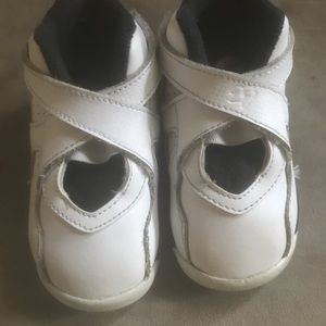 Baby Jordan's size 6